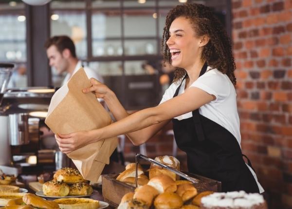 woman serving customer_Image_600x429