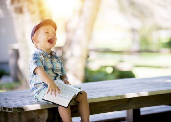 young boy on bench_Image_600x429
